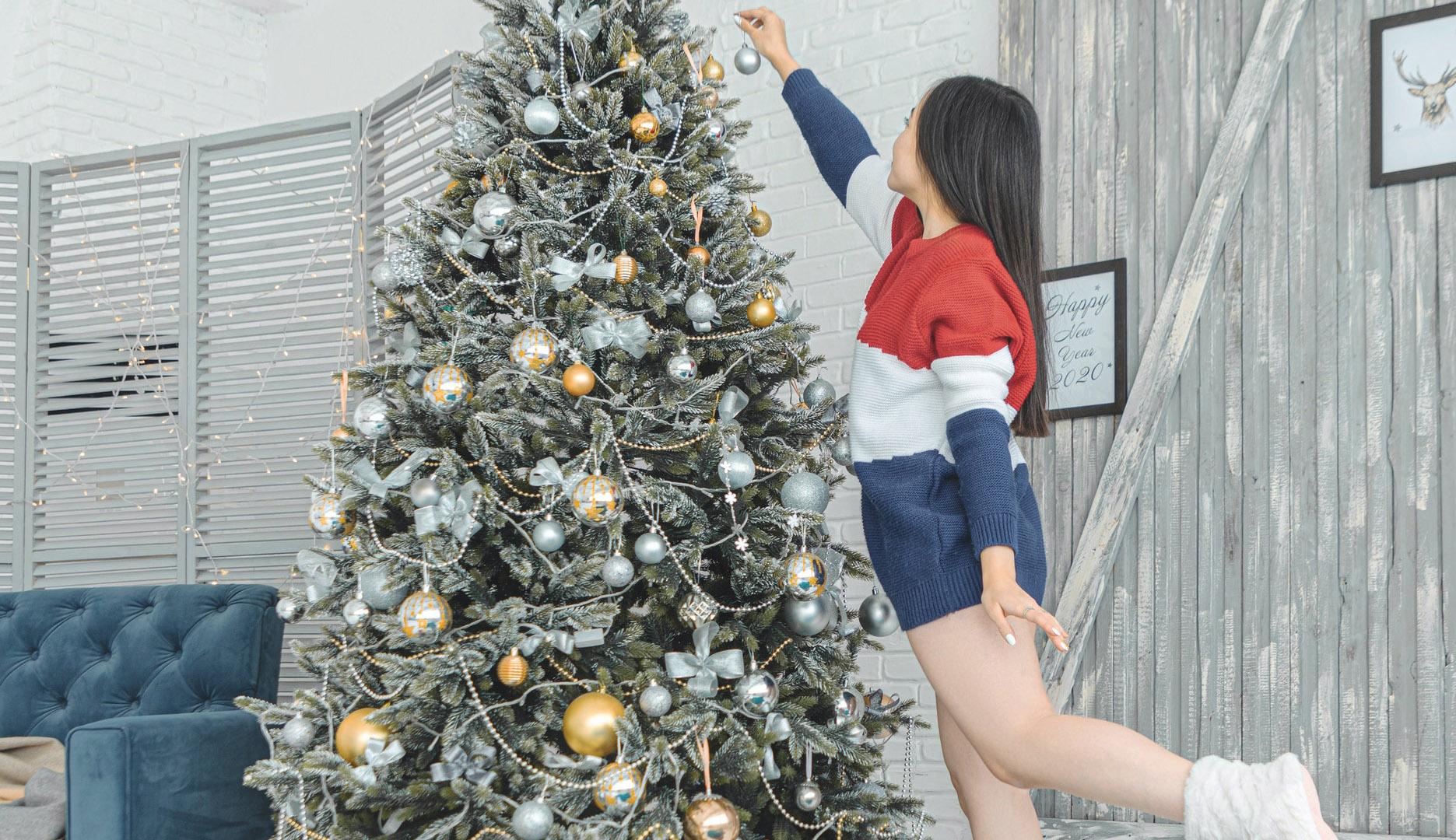Glitter, stelle e vinile: i migliori outfit per brillare a Natale