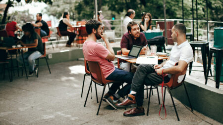 Comunicazione Digitale: un linguaggio moderno per aumentare l'engagement online aziendale.
